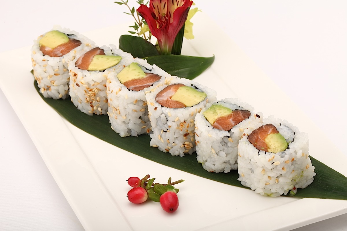 Guys On Average How Many Carbs Are In One Normal Piece Of Say Salmon Or Tuna Sushi Roll Not Those Tiny Ones The Like This